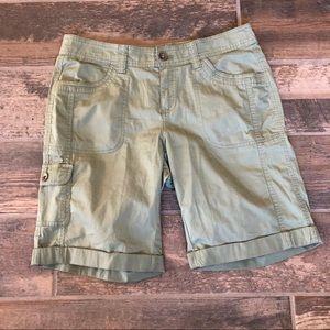 Olive drab cargo walking shorts 8